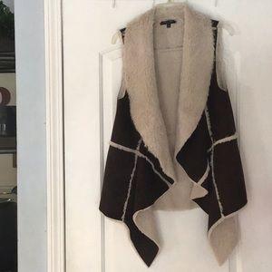 Romeo + Juliet Faux Suede Drape Vest Size L